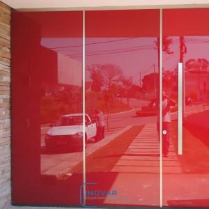 Porta Pivotante com vidro sirigrafado