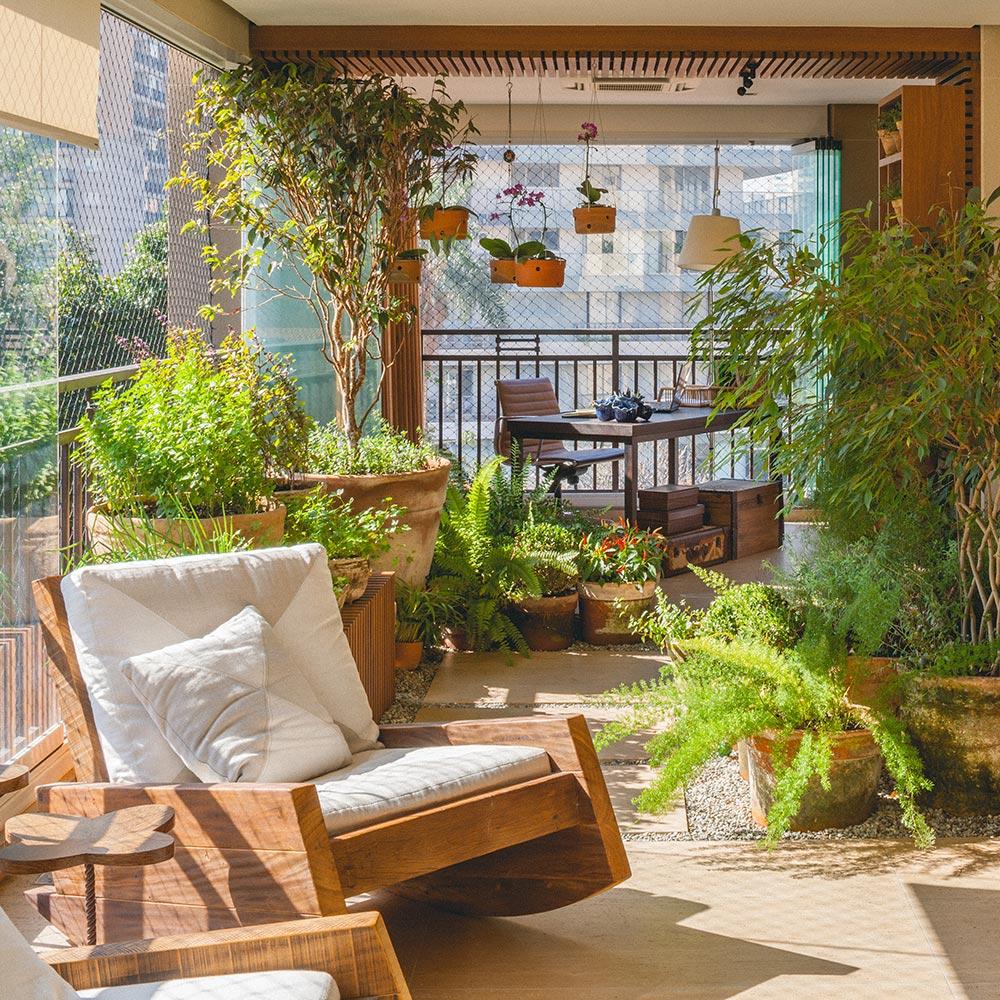 Varanda de apartamento com cara de jardim
