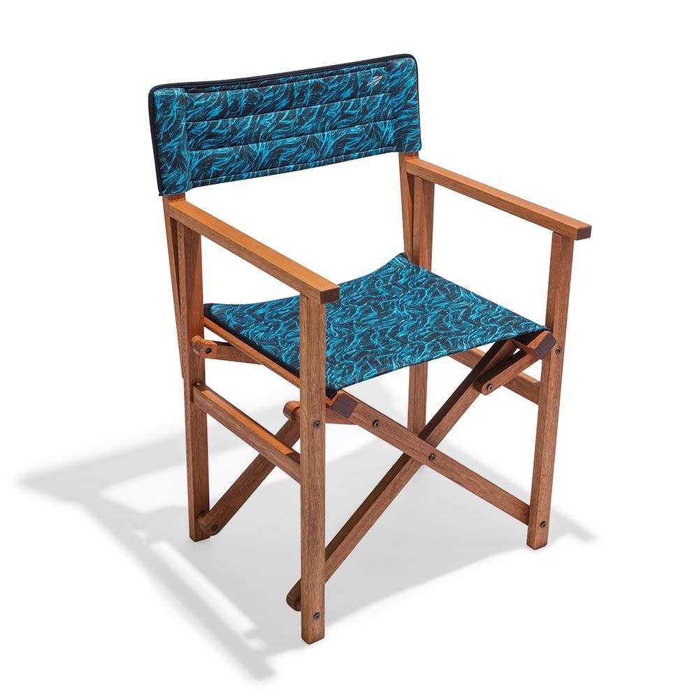 Butzke e Mormaii lançam cadeiras que unem madeira e neoprene