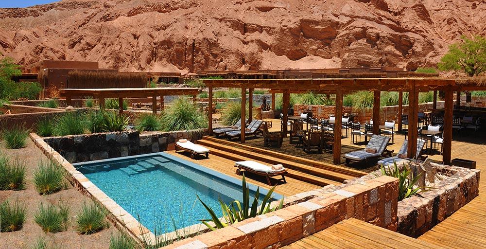 Hotel de luxo se integra ao cenário do deserto do Atacama