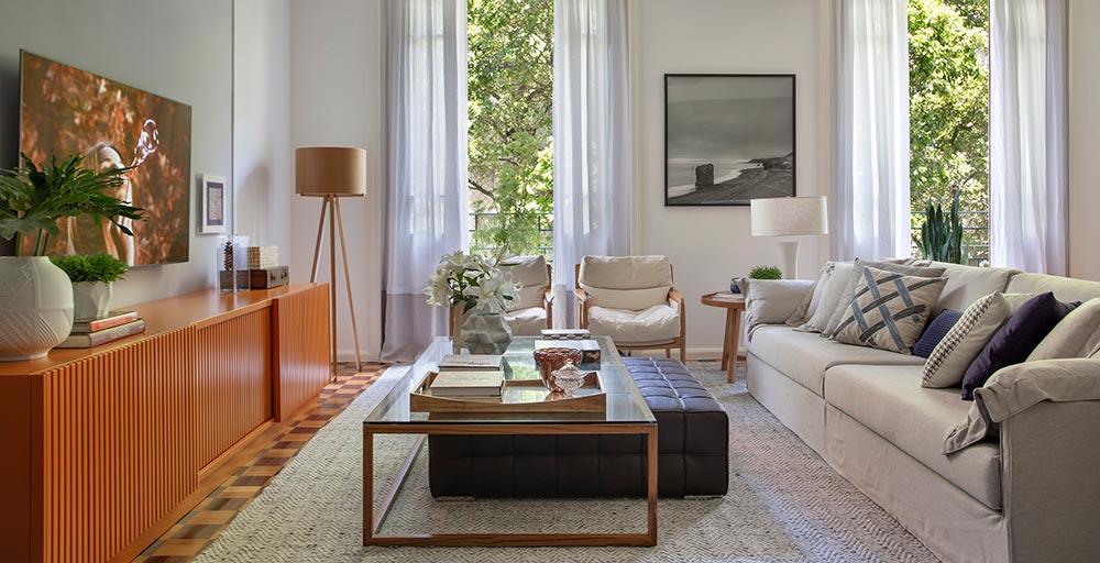 Apartamento carioca ganha decoração retrô e acolhedora