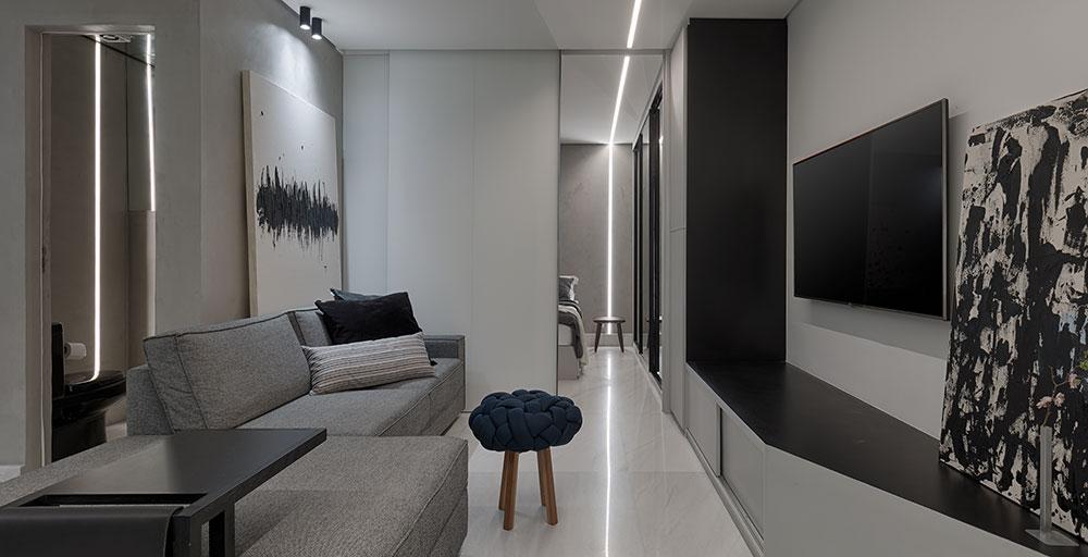 Apartamento minimalista de 70 m² tem décor em tons de branco