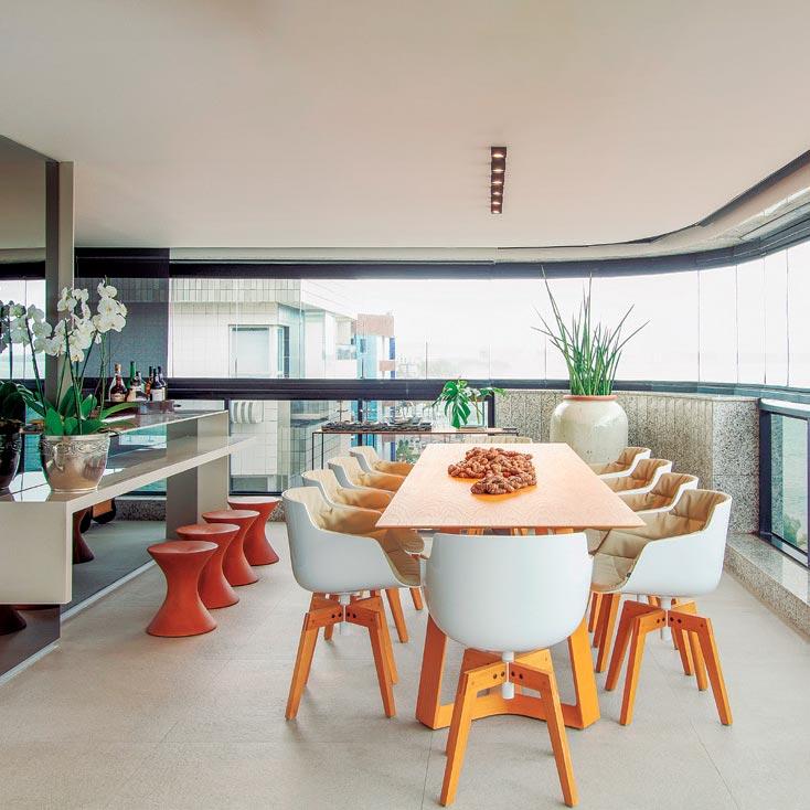 Apartamento de 450 m² é tem décor inspirada na arquitetura brutalista