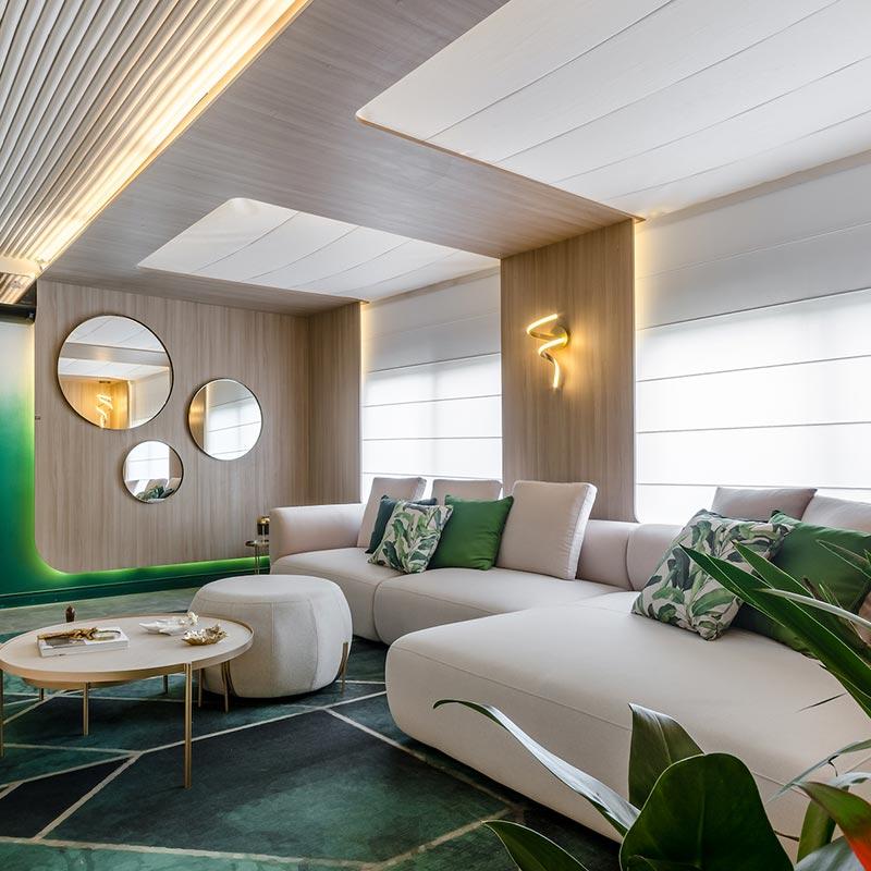 Sala de TV romântica tem décor inspirado a França