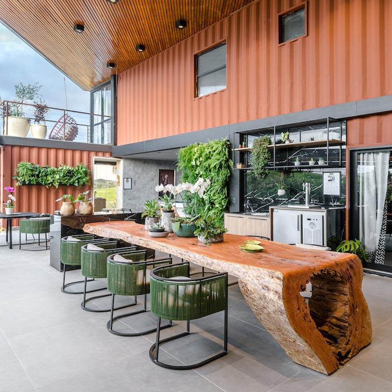 Área gourmet traz o aconchego de uma sala de estar