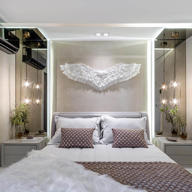 Carla Sampaio projeta suíte de visitas luxuosa para casa contêiner