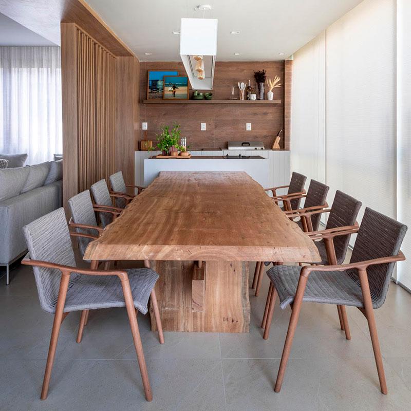 Elementos naturais aquecem este apartamento de praia na Bahia