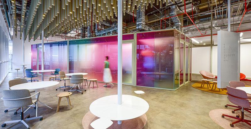 Hub de Inovação do Insper preza pela inovação e tem design despojado