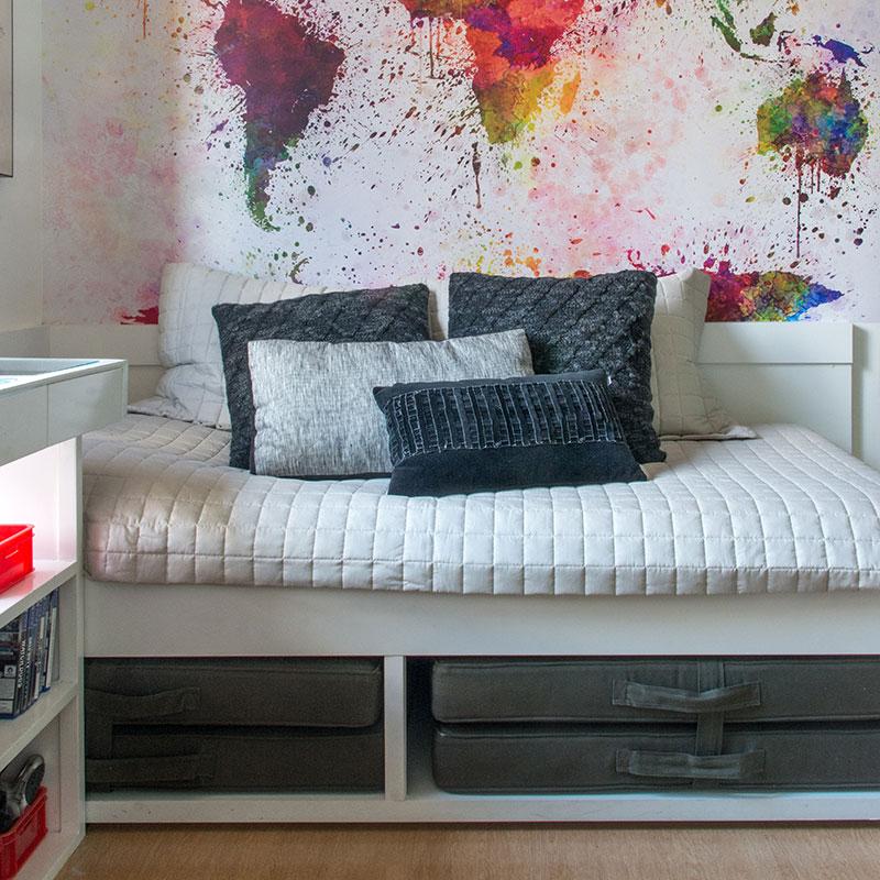 Detalhes coloridos dão personalidade a este apartamento