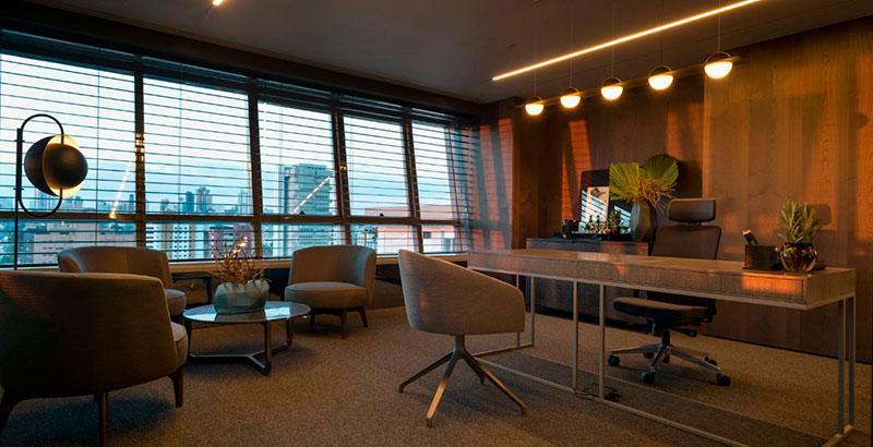 Escritório de advocacia tem décor inspirado na cidade de Nova York