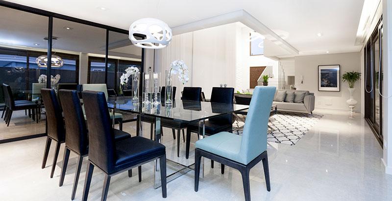 Casa de 300 m² ganha décor neutro e sofisticado