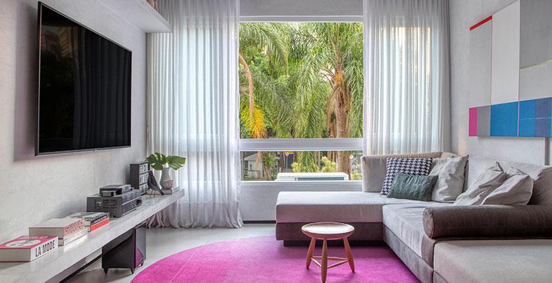 Apê carioca de 110 m² é feito sob medida para casal de empresários
