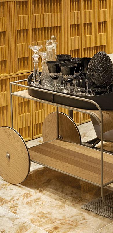 Projeto de 90 m² ganha sofisticação com tons de cinza, estanho e prata