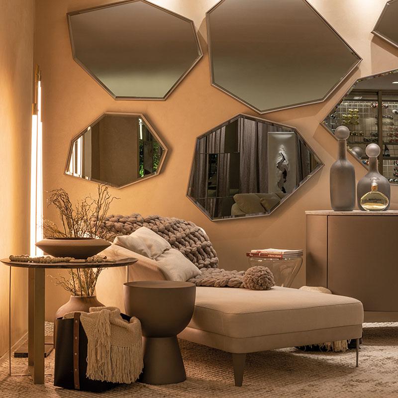 Living de 70 m² com tons neutros é perfeito para relaxar