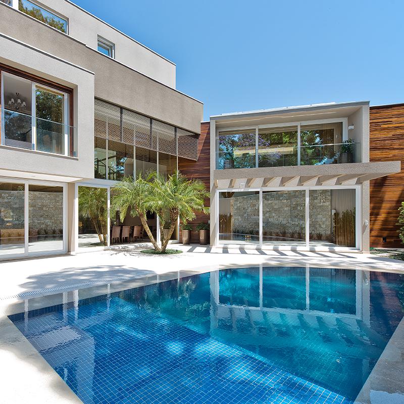 BRASIL EM FOCO: Casa em Curitiba é assinada por Elaine Zanon e Claudia Machado, do escritório Arquitetare