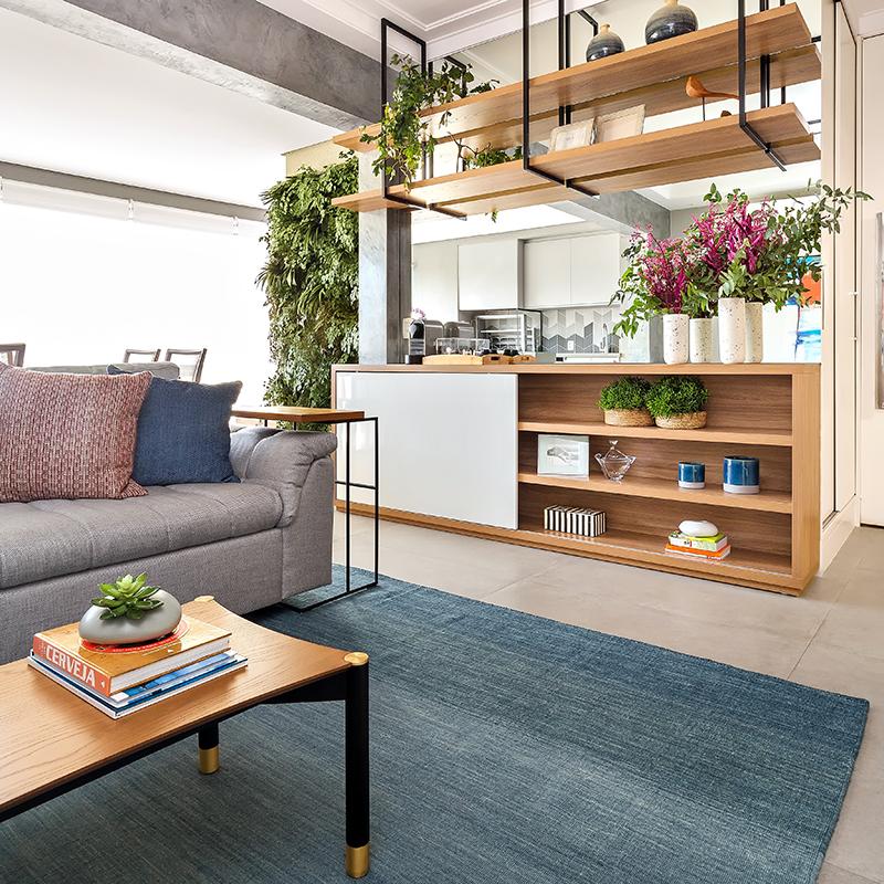 Apartamento de 103 m² ganha décor industrial e área social integrada