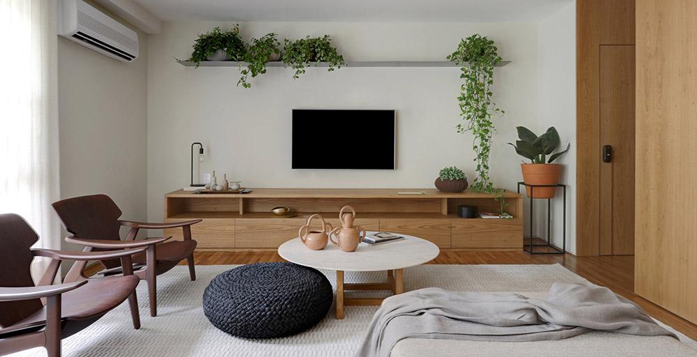 Apartamento em São Paulo tem décor inspirado no Rio de Janeiro e muitas plantas