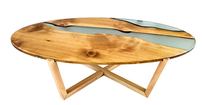 Isto É Brasil apresenta linha de móveis resinados com madeira